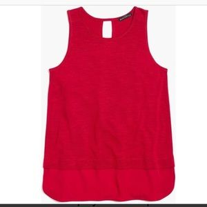 Drapey tank top with silky hem in red